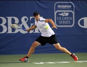 Анди Родик с победа при дебюта си в Уинстън Сейлъм