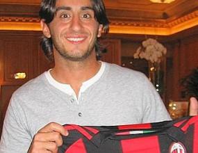 Акуилани: За мен е чест да съм в Милан, това е повратна точка