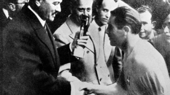 """""""От скрина"""": Как Пепино Меаца стана джентълмен №1 във футбола"""