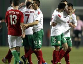Пенев връща само няколко национали в България