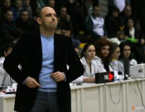 Левски пътува утре за мача с Фени индъстри
