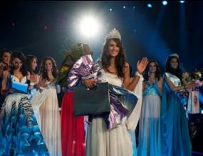 """Ина Манчева се окичи с короната на """"Мис България 2012"""""""