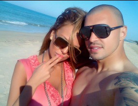 Николета и Валери в любовен романс на плажа