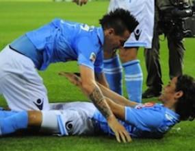 Кавани и Хамшик теглят Наполи към Шампионската лига (видео)