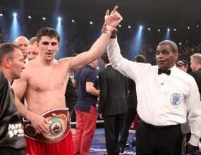 Марко Хук запази титлата си в тежка категория във версия WBO