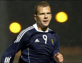 Звездата на Шотландия се присъедини към състава преди квалицикацията с България