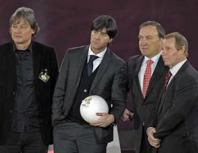 Берти Фогтс: Титлата е задължителна за Германия