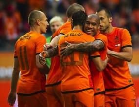 """Холандия загря за """"групата на смъртта"""" с голова фиеста (видео)"""