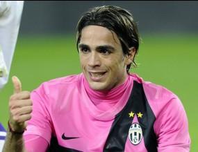 Милан дава 10 милиона за Матри, Юве иска 15