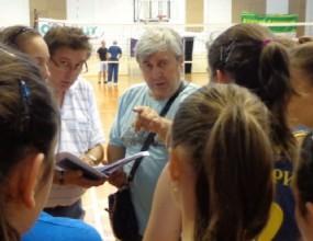 Стоян Гунчев заведе 12 девойки на Балканиадата в Бар
