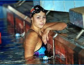 Аврамова не успя да се класира за финала на 200 метра гръб