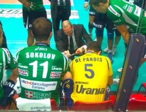 Цецо Соколов с 13 точки! Кунео с трета загуба в Серия А1