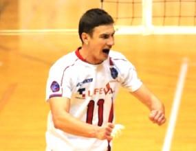 Миро Градинаров с победа и загуба в Япония