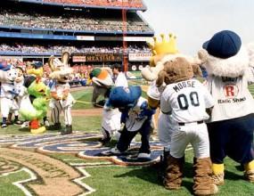Талисманите в MLB – куклен театър за $1 млн. (снимки)
