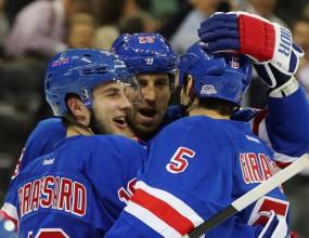 Рейнджърс разгроми Питсбърг, но остана в подножието на върха в НХЛ