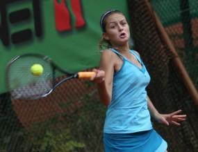 Ботушарова отпадна в първия кръг