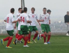 България победи Грузия след дузпи на международен юношески турнир на УЕФА