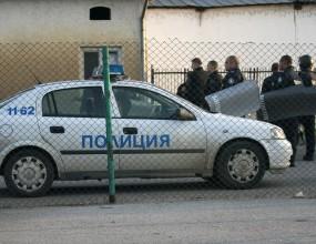 Полицаи завардиха отрано Български извор (видео)