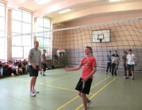 Светозар Иванов към ученици: Спортът помага много в живота!