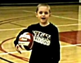 6-годишно дете-чудо демонстрира волейболните си умения (ВИДЕО)