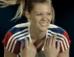 Чешки волейболни красавици участваха в клип за световното за девойки (ВИДЕО)
