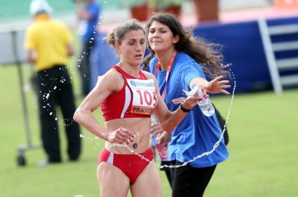 Мокенхаупт спечели ЕК на 10 000 м в Правец, Дънекова десета с рекорд