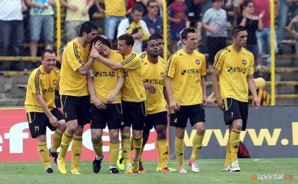 Футболист на Ботев Пловдив сложи край на футболната си кариера, намериха му пост в клуба