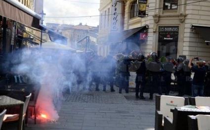Десетки арестувани заради сблъсъци преди Румъния - Унгария (видео)