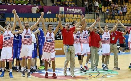 12 отбора продължават напред на европейското