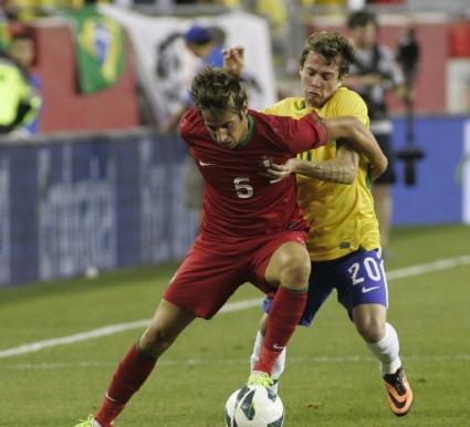 """Вирусът """"ФИФА"""" тормози Реал Мадрид - и Коентрао с травма"""