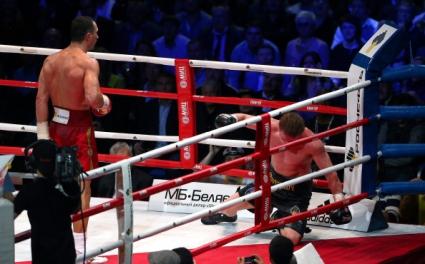 Фен почина по време на мача между Кличко и Поветкин