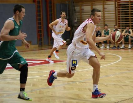Димитър Димитров с добър мач срещу шампиона на Австрия