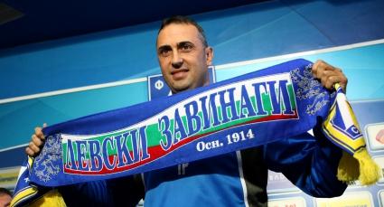Батков не отстъпи пред безпрецедентната атака: Треньор на Левски е Ивайло Петев (ВИДЕО)