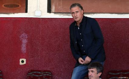 Домусчиев чака общината, за да оправи стадиона в Разград