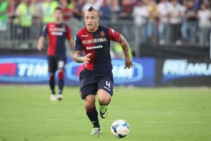 Рома отмъква Нинджата под носа на Милан и Юве