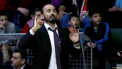 Лукойл би шута на Галанис, Везенков отново става треньор