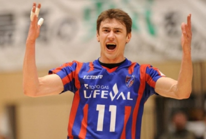 56 точки (14 + 42) и нови 2 загуби за Миро Градинаров и ФК Токио в Япония