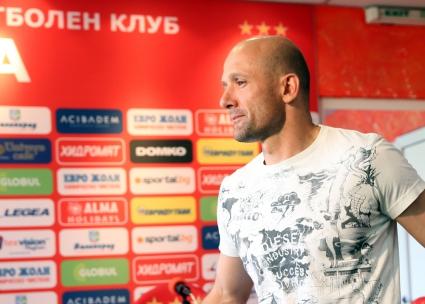 ЦСКА: Милен Радуканов иска пари, и то с лихви