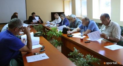 УС на БФБ прие оставката на Папазов