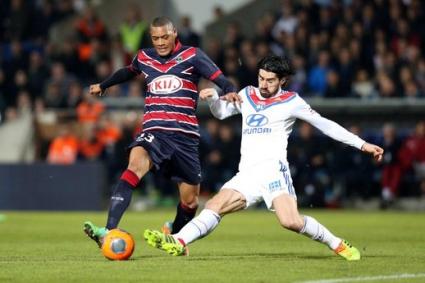 Лион шокира Бордо с два гола в добавеното време (видео)