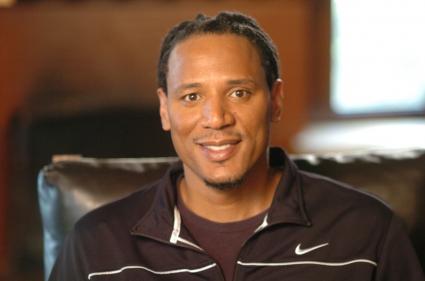 Бивш НБА играч помага на болни от Паркинсон