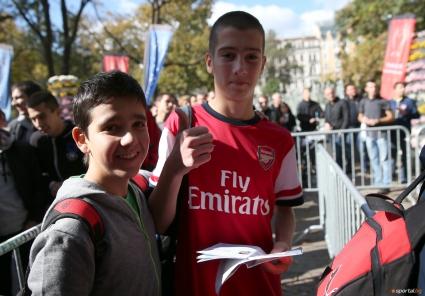 УЕФА дава по 17 000 билета на финалистите в ШЛ - запазва 24 000 за себе си