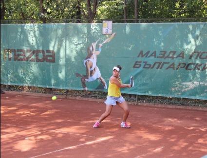 Златанова e 1/2-финалистка на двойки в Казахстан