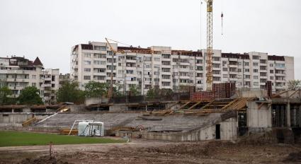 Новият стадион на Ботев Пд се издига с бързи темпове (снимки)