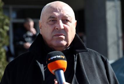 Венци Стефанов: В Левски всичко е с г*за нагоре, куче влачи рейс - нищо добро не ги очаква