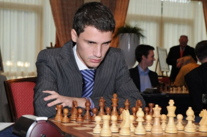 Иван Чепаринов води в шампионата по шахмат