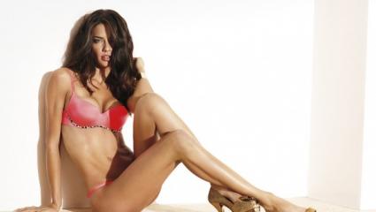 Адриана Лима прекрасна и без грим