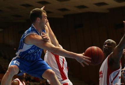 Асен Великов: Играхме добре в защита и спечелихме