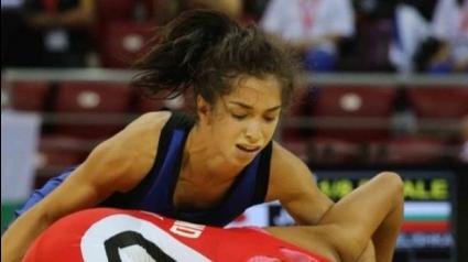 България с пет състезателки на турнир по борба за девойки в Измир