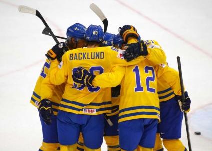 Швеция продължи победната си серия на световното по хокей